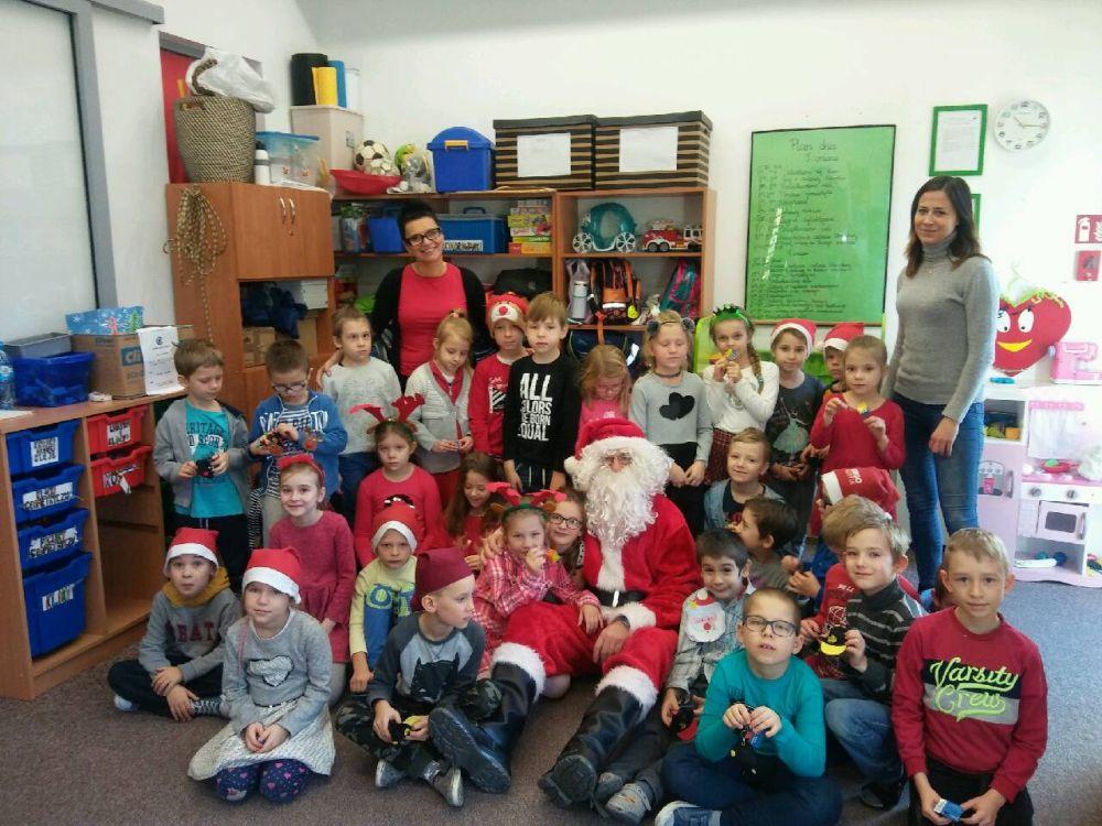 Mikołaj w świetlicy szkolnej