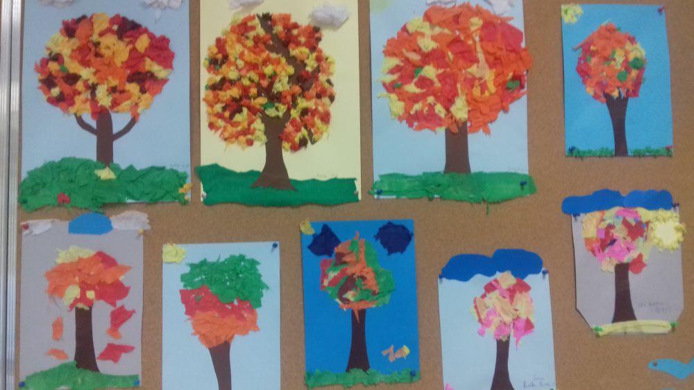 praca plastyczna przedstawiająca jesienne drzewo
