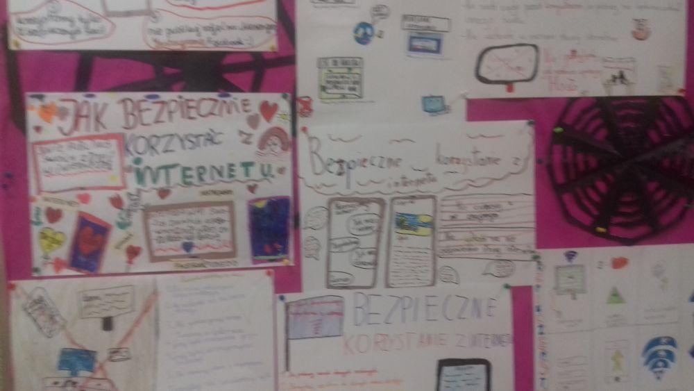 wystawa plakatów o bezpieczeństwie w sieci