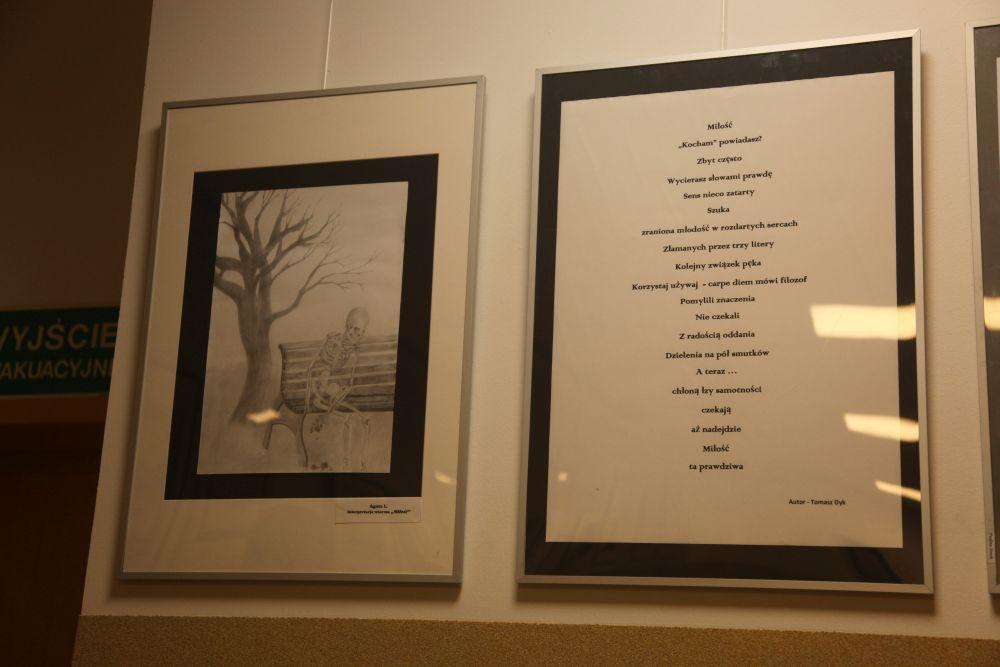 zdjęcia z wieczoru poetyckiego Tomasza Dyka