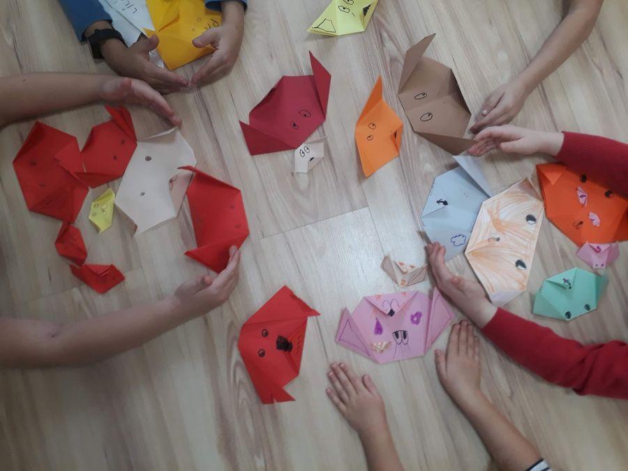 Pieski z papieru wykonane metoda Origami