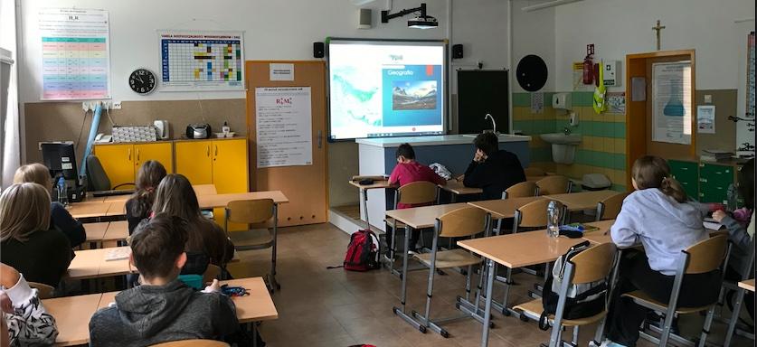 uczniowie uczestniczący w lekcji w ramach projektu Edu-Arctic